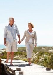 Nicht nur im Alter fördern Spaziergänge die Gesundheit